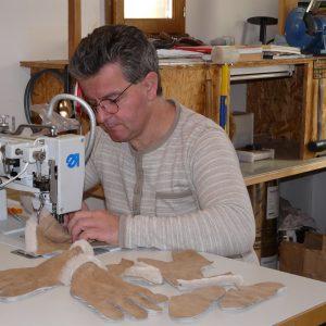 Toute l'histoire de l'Atelier Cuir Polaine, artisan maroquinier sandalier en Cévennes depuis 1993 - 12