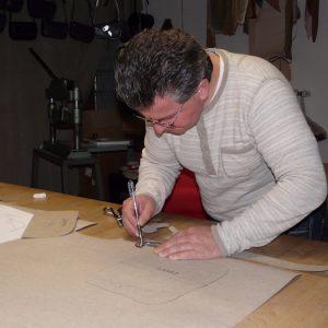 Toute l'histoire de l'Atelier Cuir Polaine, artisan maroquinier sandalier en Cévennes depuis 1993 - 2