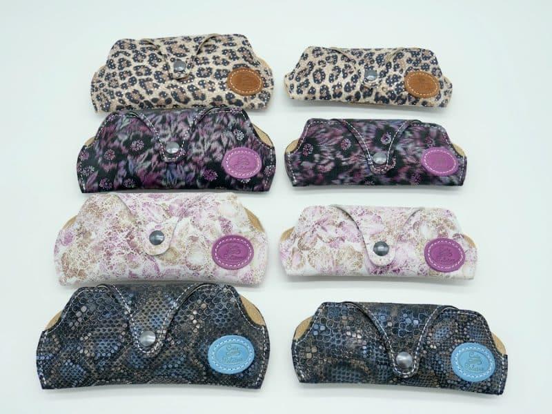 Etui à lunettes artisanal cuir velours léopard par l'Atelier Cuir Polaine Cévennes