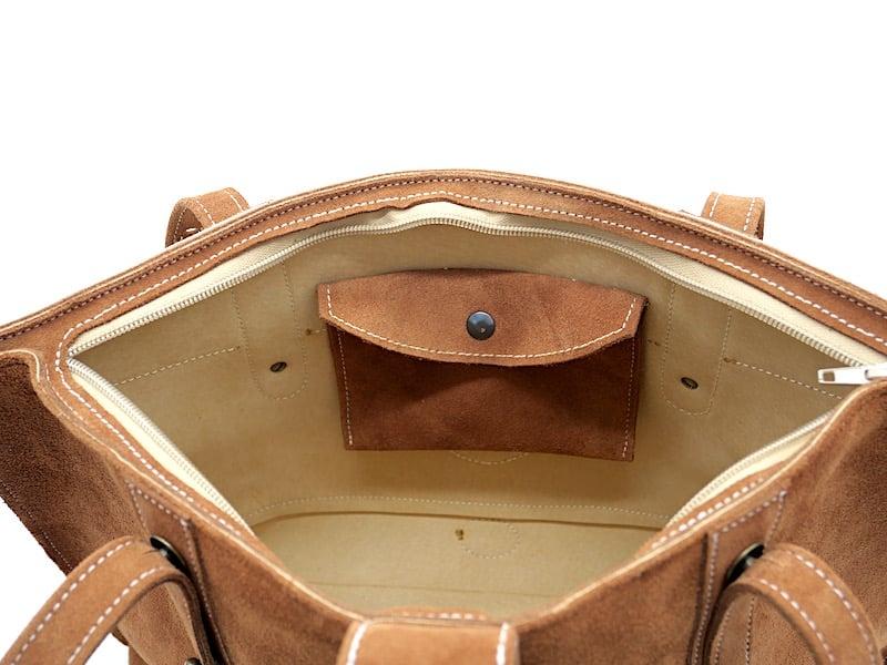 Sac cabas Anthea marron, beige crème et tabac, détails intérieur par Cuir Polaine, Artisan Créateur Maroquinier, Artisan de France